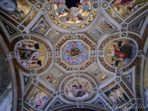 italy-vatican-ceiling-09