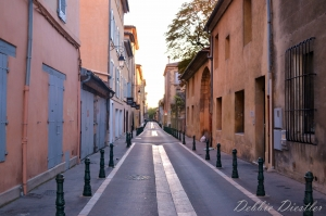 narrow-streets-of-aix-en-provence-12