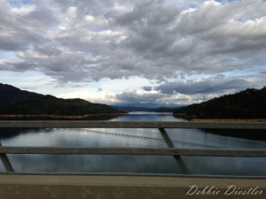 shasta-lake-from-the-bridge