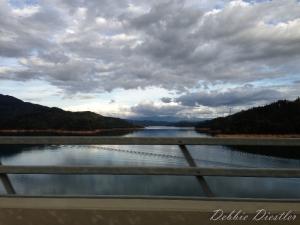 shasta-lake-from-the-bridge