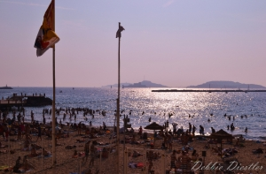 sun-bathers-on-the-french-riviera-12