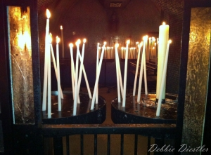 long-stem-candles-in-notre-dame-marsaille-12