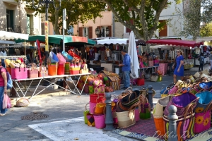 purse-market-in-cassis-12