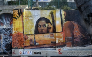 street-advertisement-in-marsaille-12