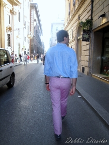 strolling-in-pink-pants-rome-09